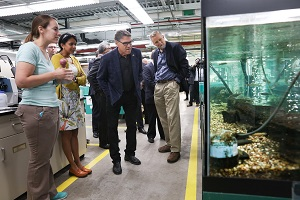 Rick Perry touring Aquatic Ecology Lab